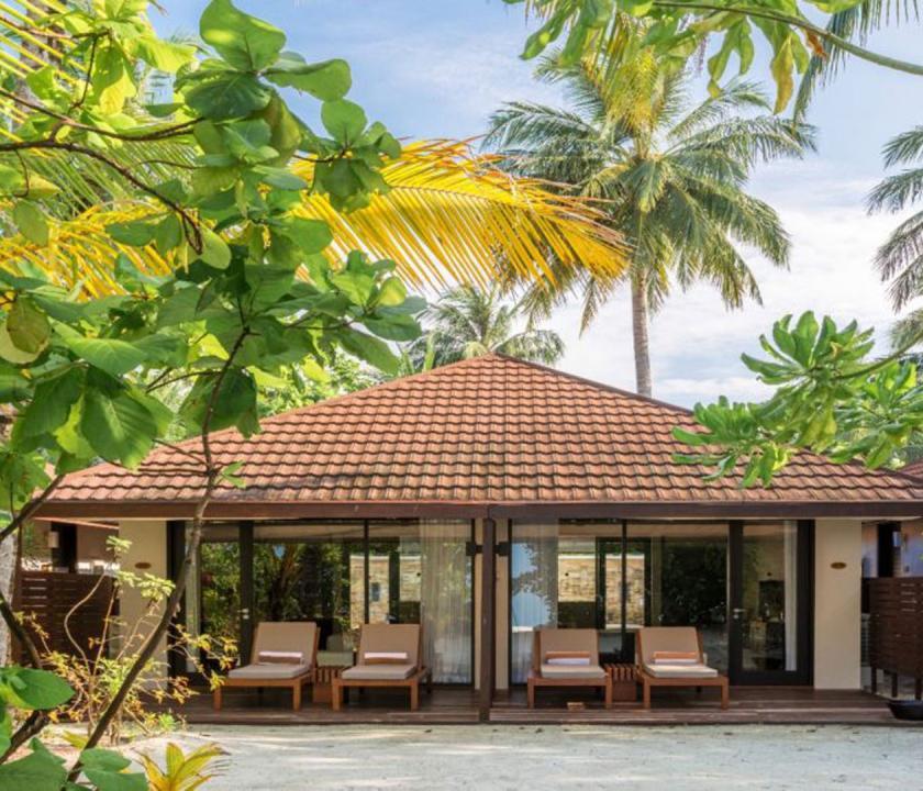 Lily Beach Resort & Spa / Beach Family Villa (Maldív-szigeteki utazások)