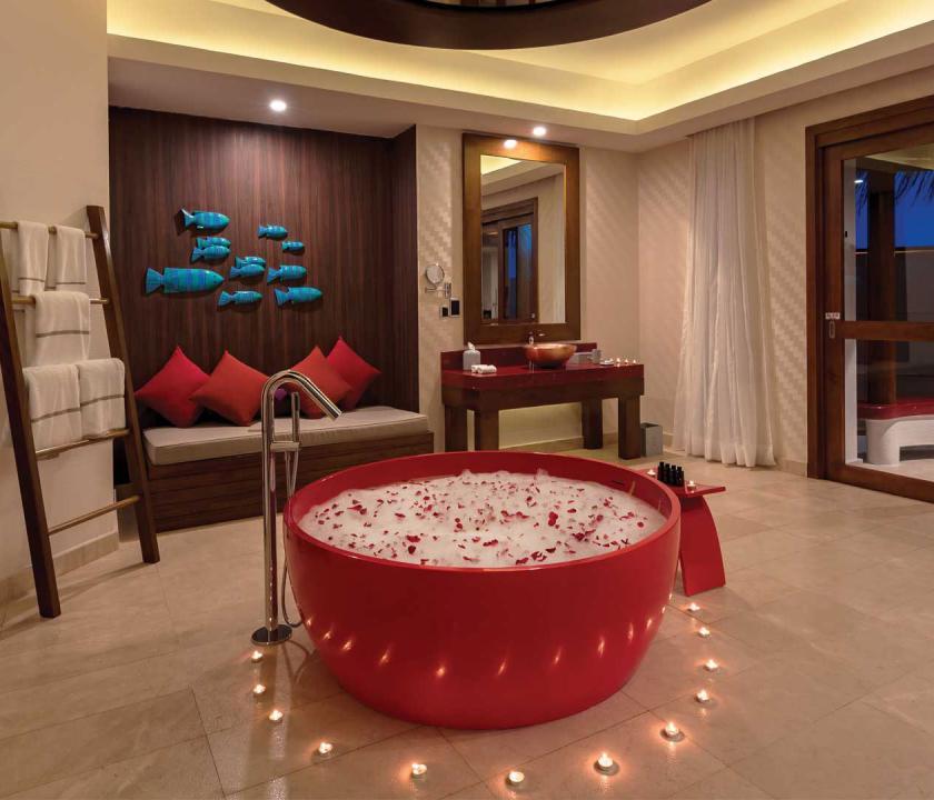 OBLU SELECT at Sangeli by Atmosphere / Honeymoon Water Suites with Pool (Maldív-szigeteki utazások)
