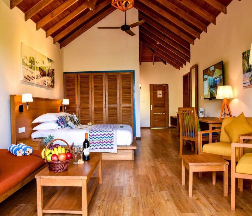 Reethi Faru Resort / Deluxe Jacuzzi Beach Villa (Maldív-szigeteki utazások)