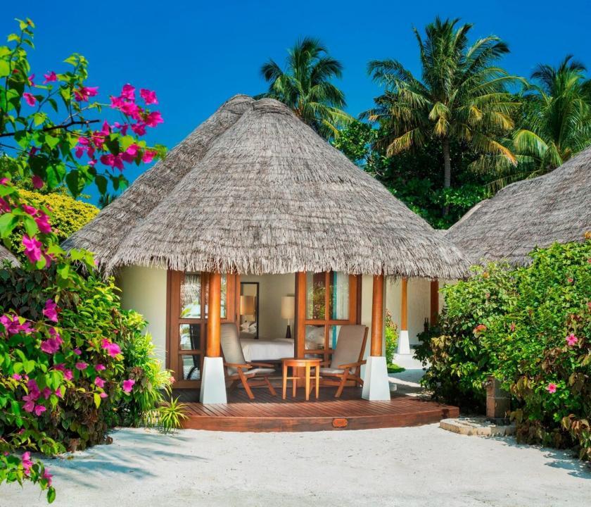 Sheraton Maldives Full Moon Resort & Spa / Island Cottage (Maldív-szigeteki utazások)