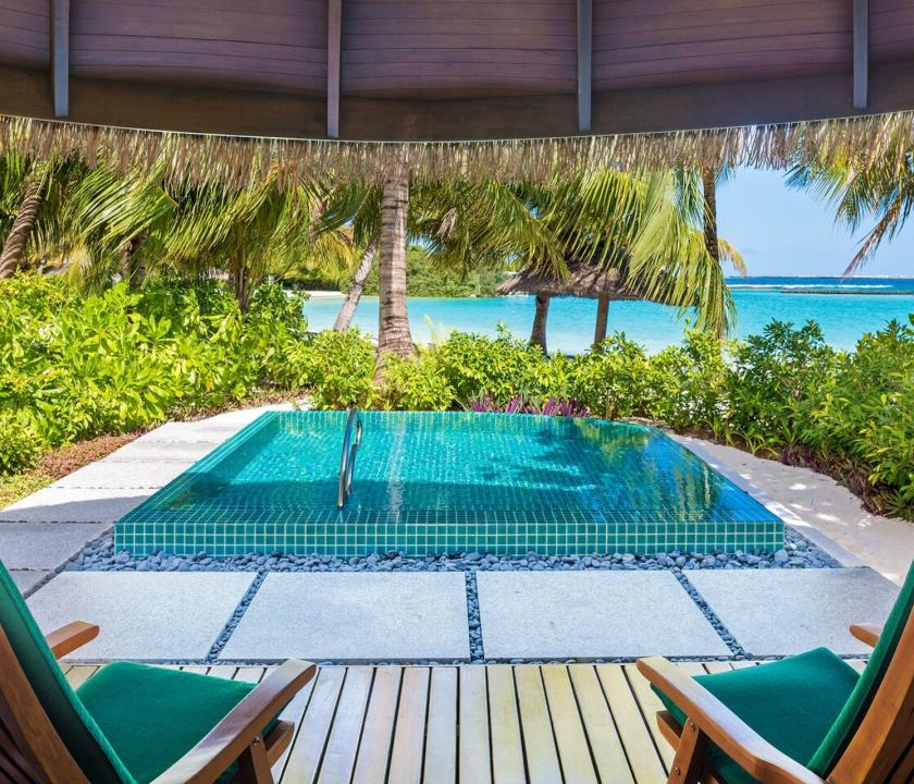 Sheraton Maldives Full Moon Resort & Spa / Cottage with Pool (Maldív-szigeteki utazások)