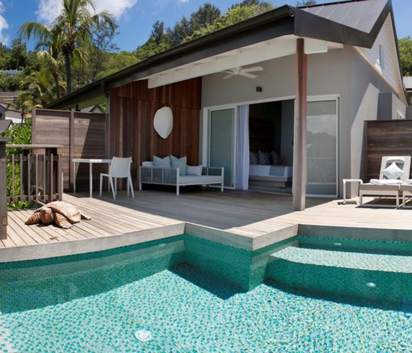 Carana Beach Hotel / Ocean view Pool Chalet (Seychelle szigeteki utazások)
