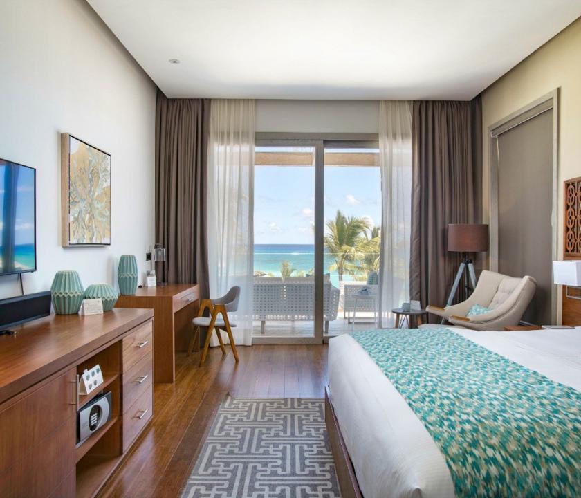 Eden Roc at Cap Cana / Beachfront 1 Bedroom Suite - hálószoba (Dominikai utazások)