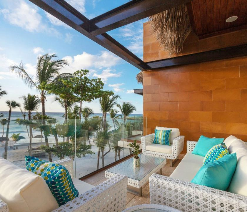 Eden Roc at Cap Cana / Beachfront 1 Bedroom Suite - terasz (Dominikai utazások)