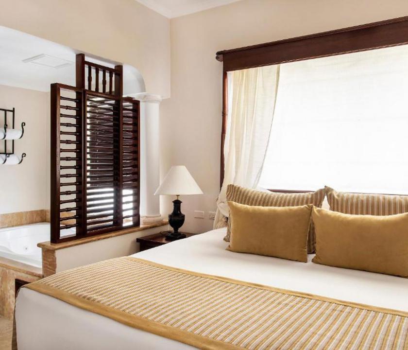 Paradisus Palma Real Golf & Spa Resort / Luxury Junior Suite (KJC) - hálószoba (Dominikai utazások)
