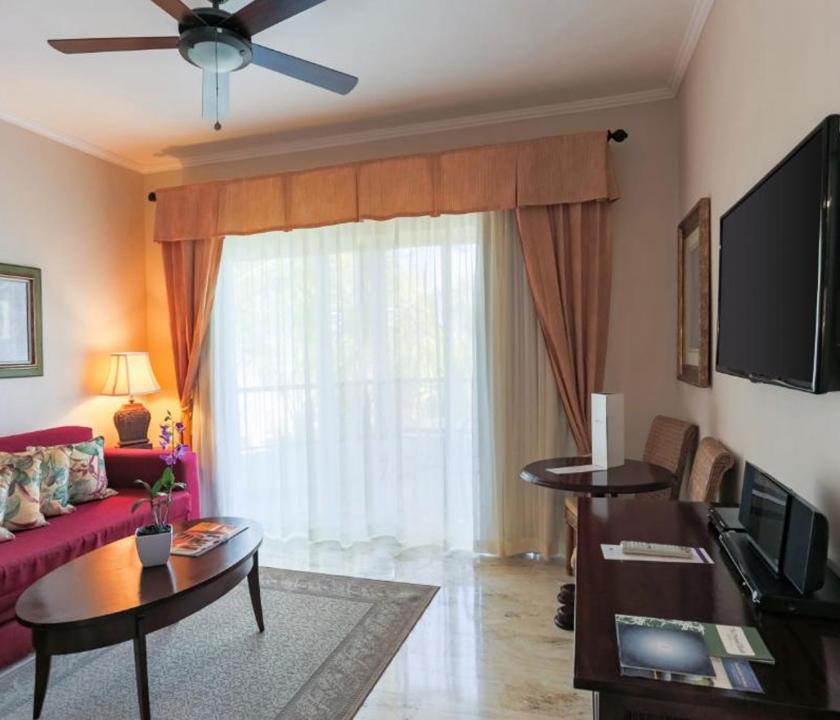 Paradisus Palma Real Golf & Spa Resort / Luxury Junior Suite (KJC) - nappali (Dominikai utazások)