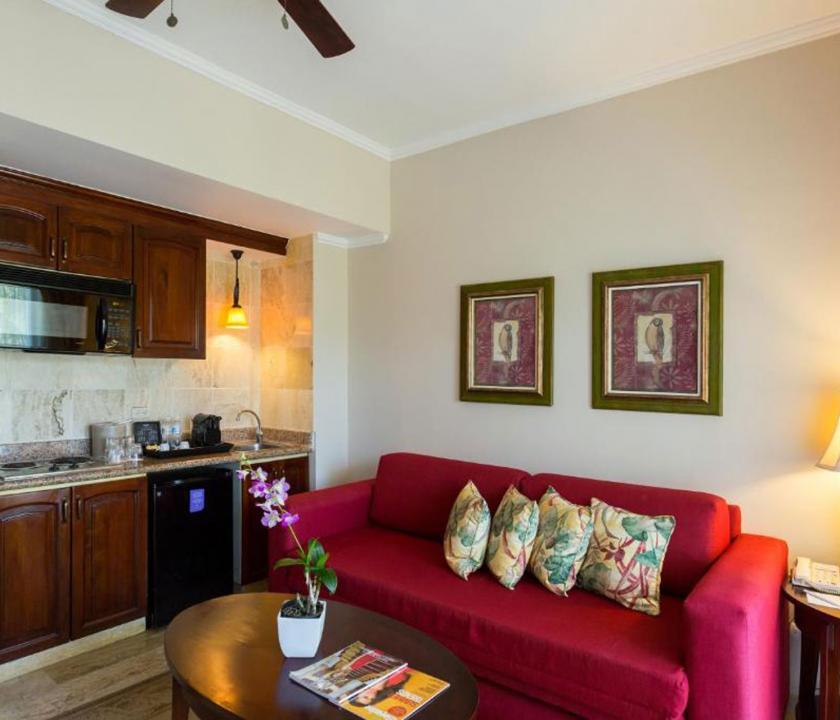 Paradisus Palma Real Golf & Spa Resort / Luxury Junior Suite (KJC) - nappali és konyha (Dominikai utazások)