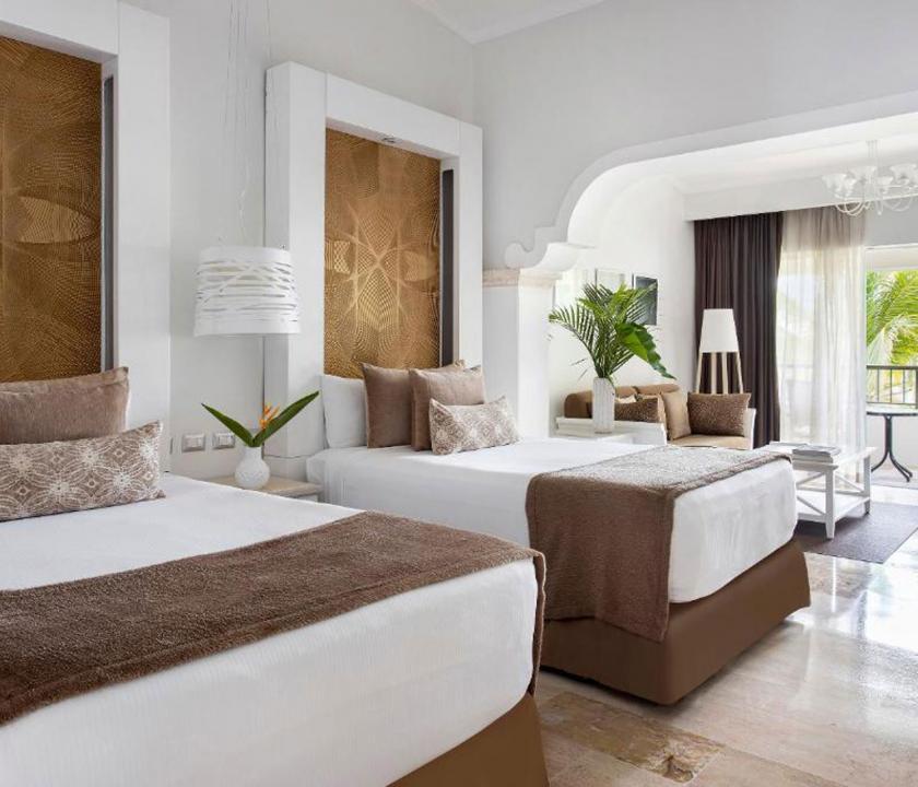 Paradisus Palma Real Golf & Spa Resort / Royal Service Garden View with Whirlpool Suite (KIR) - hálószoba (Dominikai utazások)
