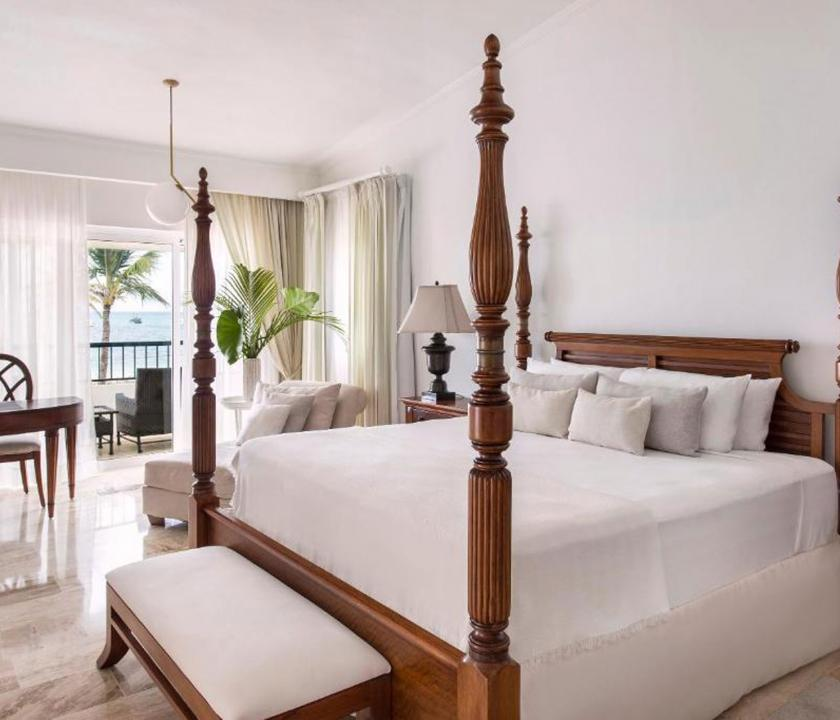 Paradisus Palma Real Golf & Spa Resort / Royal Service Imperial Romance Ocean Front (KJM) - hálószoba (Dominikai utazások)