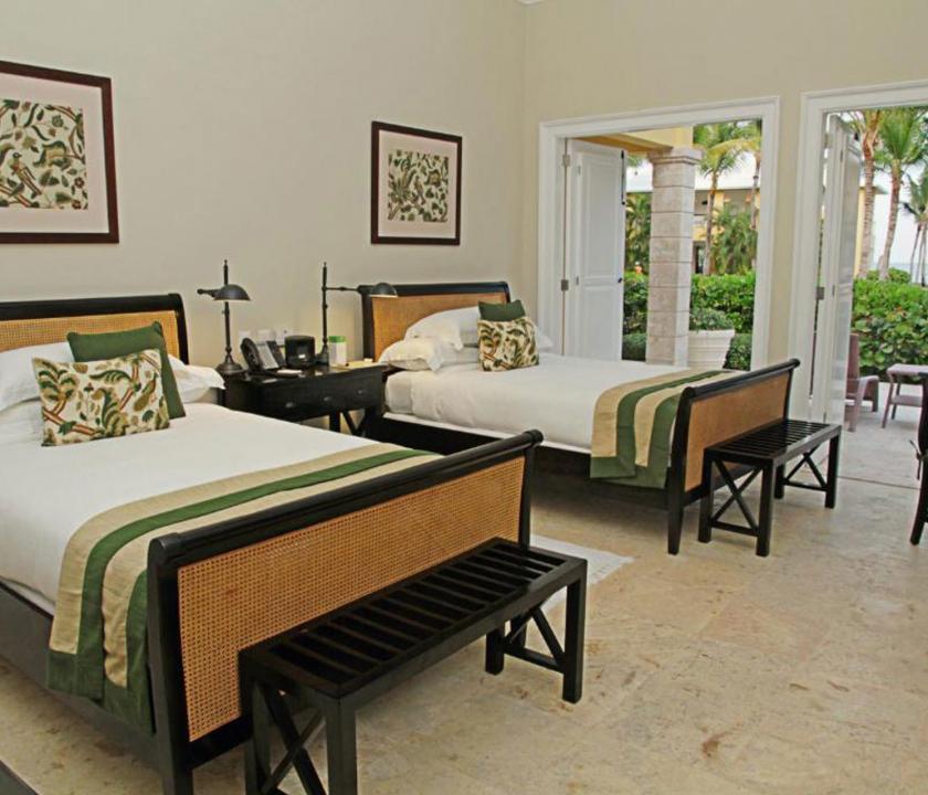 Tortuga Bay Puntacana Resort & Club / 2 Bedroom Standard Suite (ocean view) - hálószoba (Dominikai utazások)