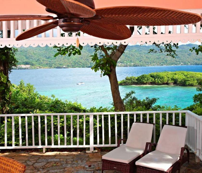 Luxury Bahia Principe Cayo Levantado / Deluxe Junior Suite - terasz (Dominikai utazások)