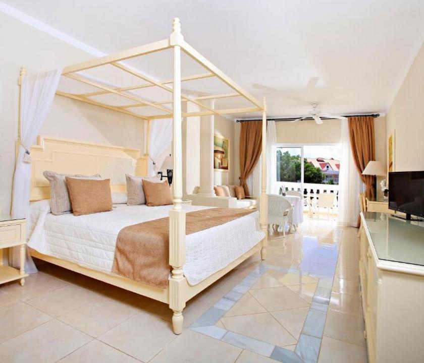 Luxury Bahia Principe Cayo Levantado / Superior Junior Suite - hálószoba (Dominikai utazások)