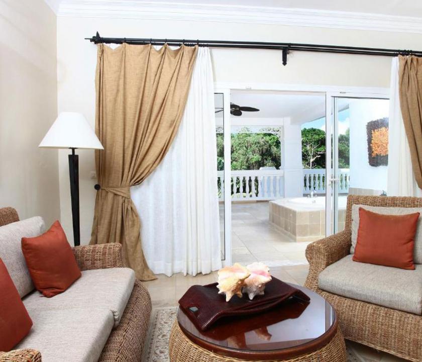 Luxury Bahia Principe Cayo Levantado / Superior Junior Suite - nappali (Dominikai utazások)