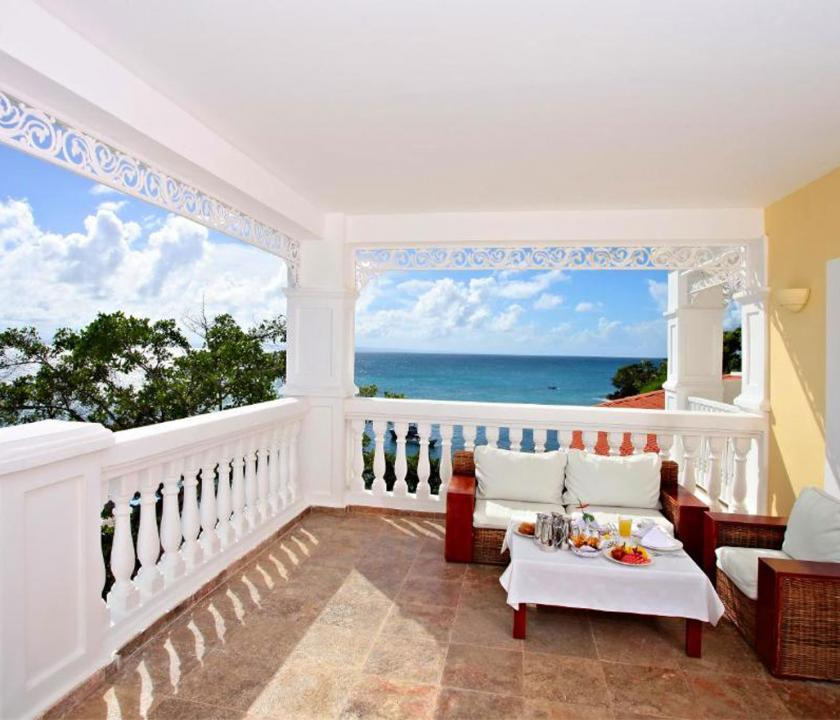 Luxury Bahia Principe Cayo Levantado / Superior Junior Suite - terasz (Dominikai utazások)