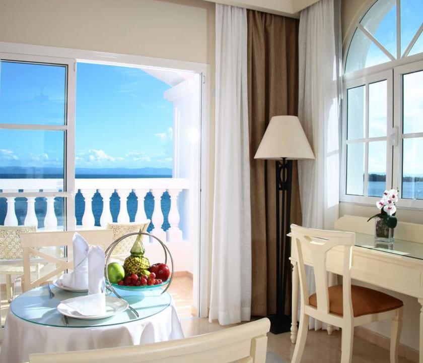 Luxury Bahia Principe Samana / Junior Suite Superior Sea View - kilátás a szobából (Dominikai utazások)