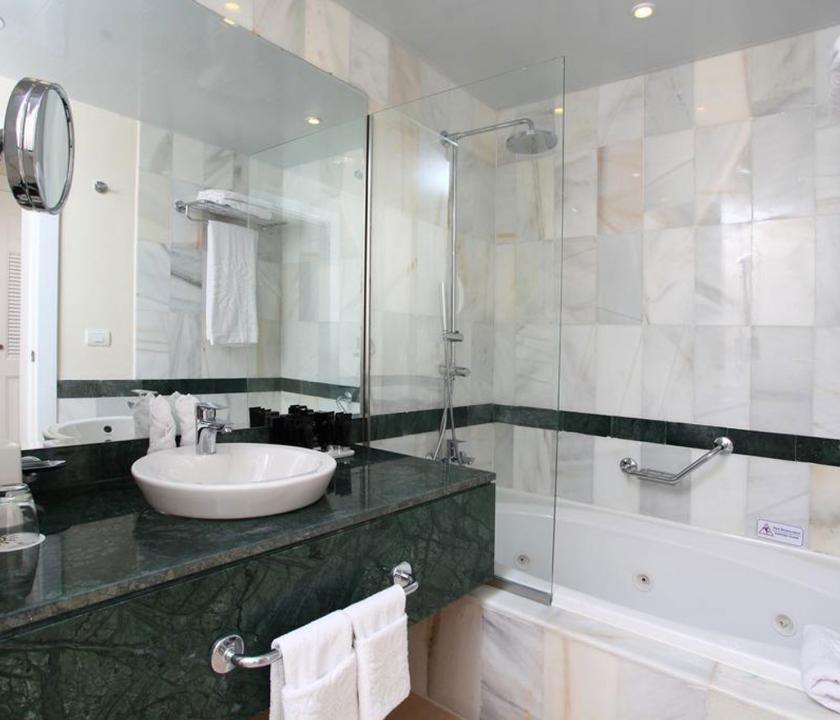 Luxury Bahia Principe Samana / Junior Suite Superior Sea View - fürdőszoba (Dominikai utazások)