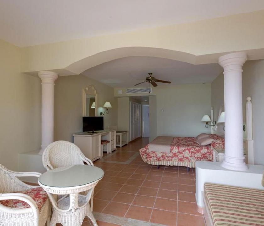 Grand Bahia Principe Cayacoa / Superior Junior Suite - nappali (Dominikai utazások)