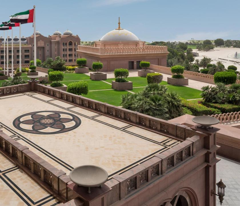 Emirates Palace / One bedroom Palace suite - terasz (Dubai utazások)