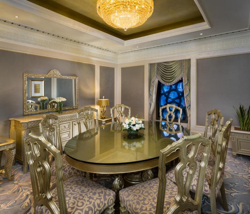 Emirates Palace / Royal Khaleej suite - étkező (Dubai utazások)