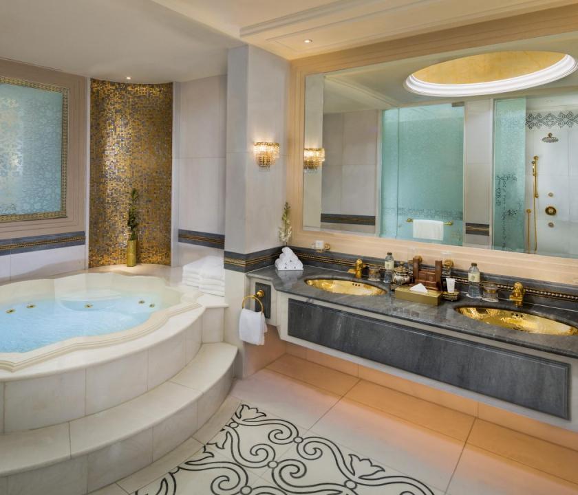 Emirates Palace / Royal Khaleej suite - fürdőszoba (Dubai utazások)