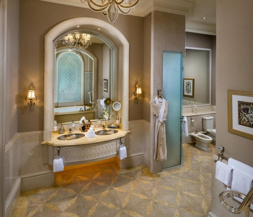 Emirates Palace / Two bedroom Palace suite - fürdőszoba (Dubai utazások)