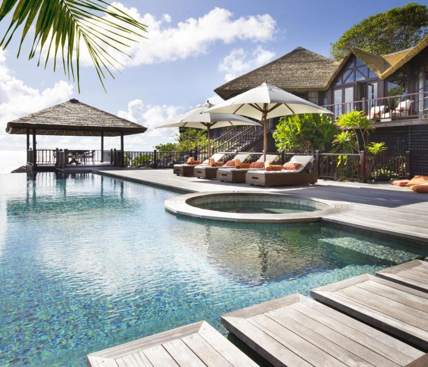 Fregate Island Private / Private Pool Twin Residence - medence (Seychelle szigeteki utazások)