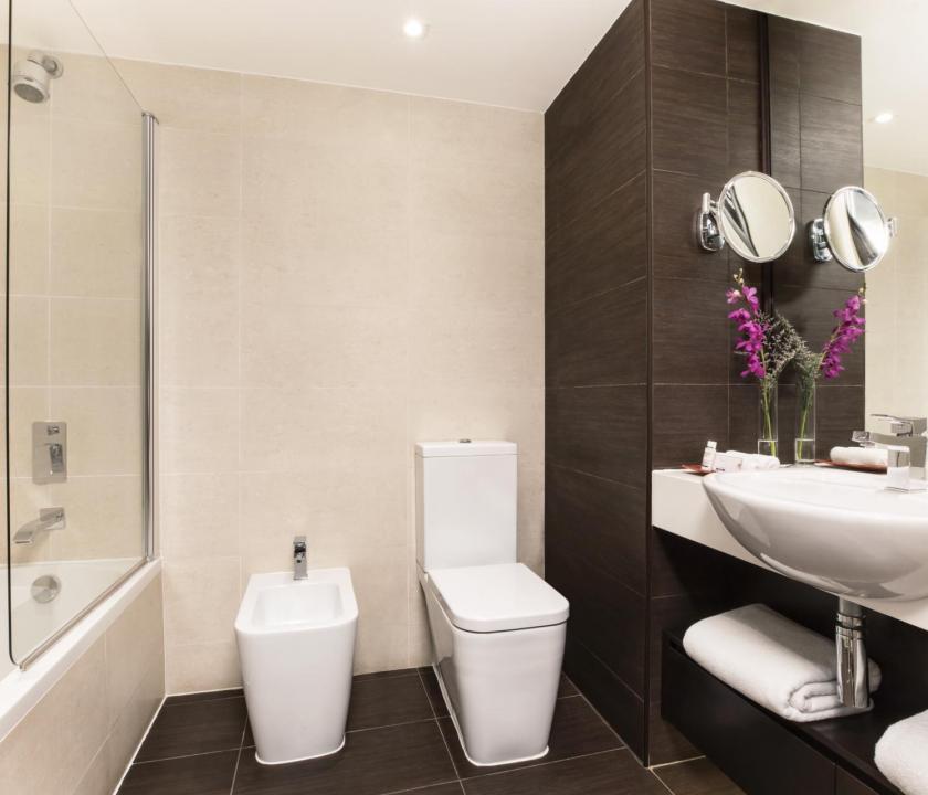 JA Beach Hotel / Resort view room - fürdőszoba (Dubai utazások)