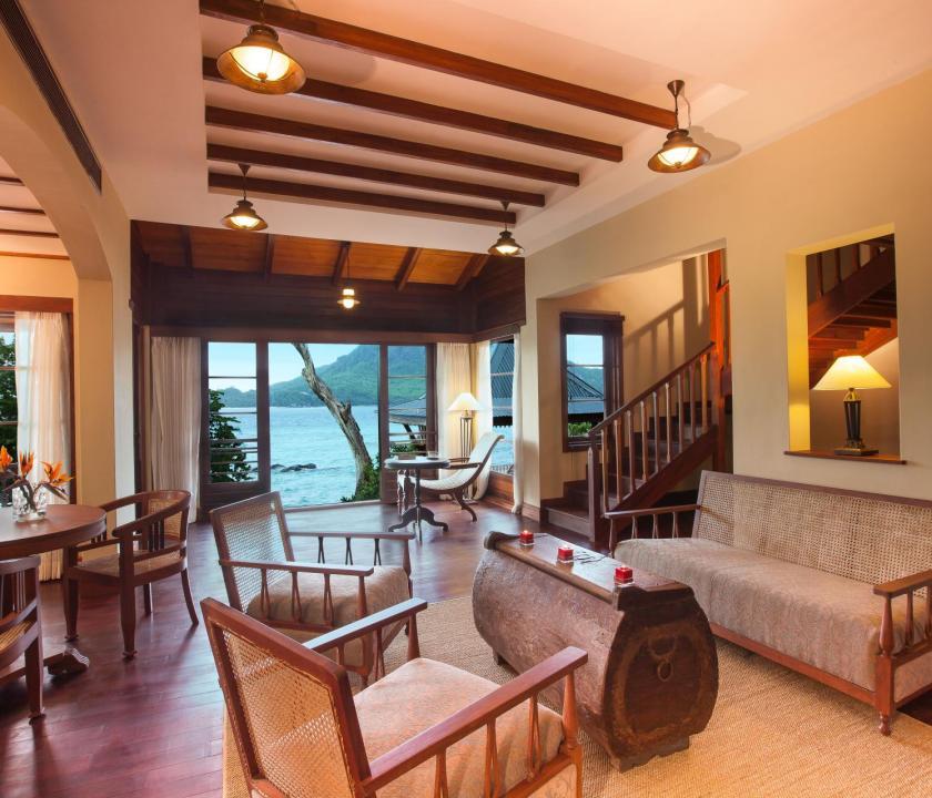 JA Enchanted Island Resort / Owner's Signature villa - nappali (Seychelle szigeteki utazások)