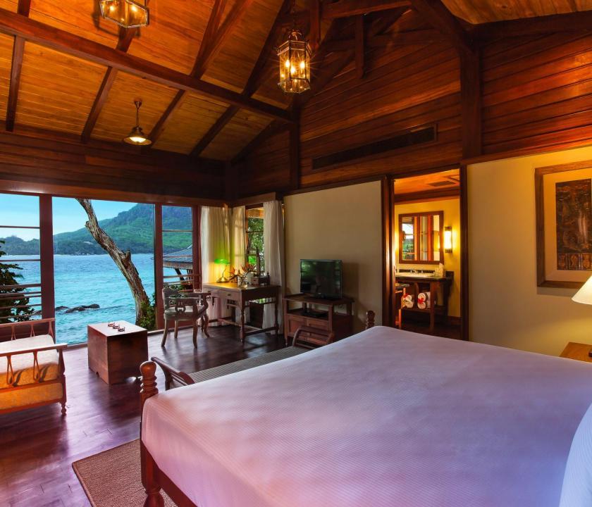 JA Enchanted Island Resort / Private pool villa - hálószoba (Seychelle szigeteki utazások)