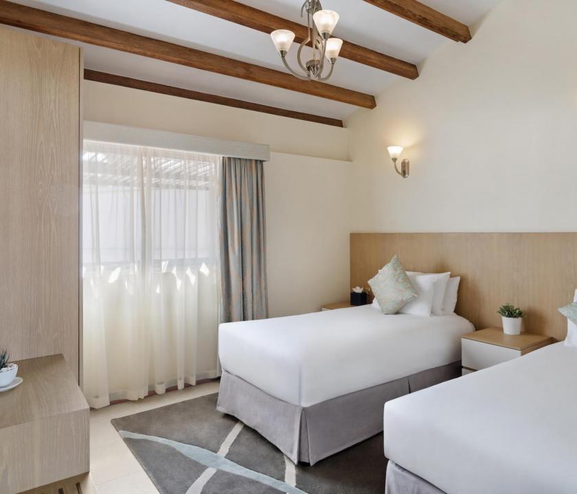 JA Hatta Fort Hotel / Three Bedroom Deluxe villa - további hálószoba (Dubai utazások)