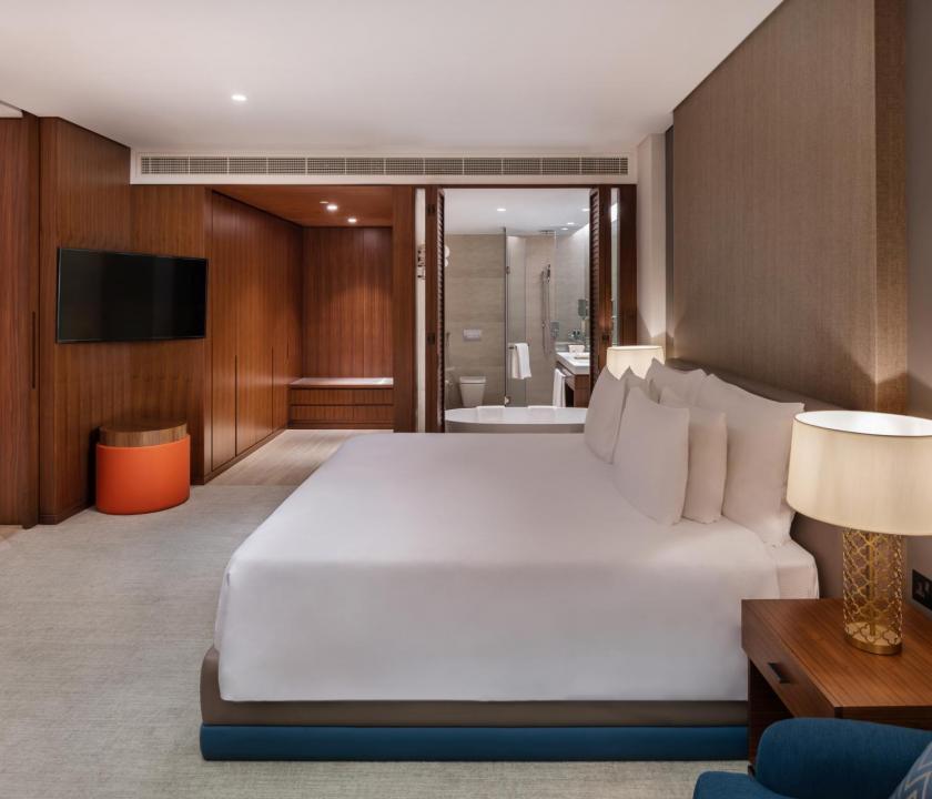 JA Lake View Hotel / One bedroom terrace suite - hálószoba (Dubai utazások)