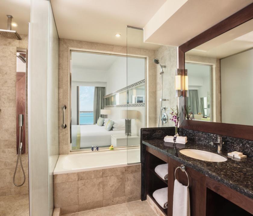 JA Ocean View Hotel / Seaview junior suite - fürdőszoba (Dubai utazások)