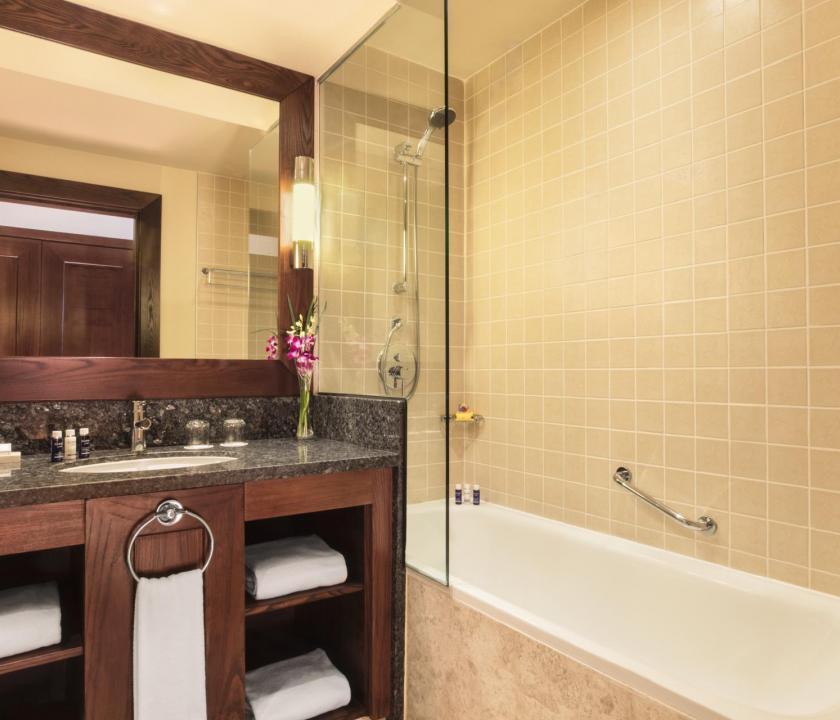 JA Ocean View Hotel / Seaview room - fürdőszoba (Dubai utazások)