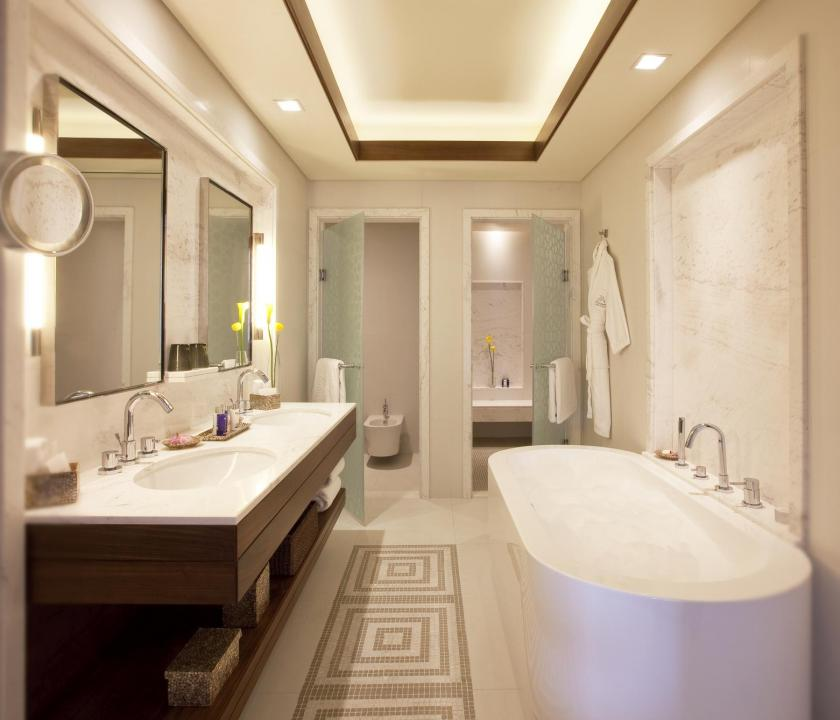 JA Palm Tree Court Hotel / Seaview residence two bedroom suite - fürdőszoba (Dubai utazások)
