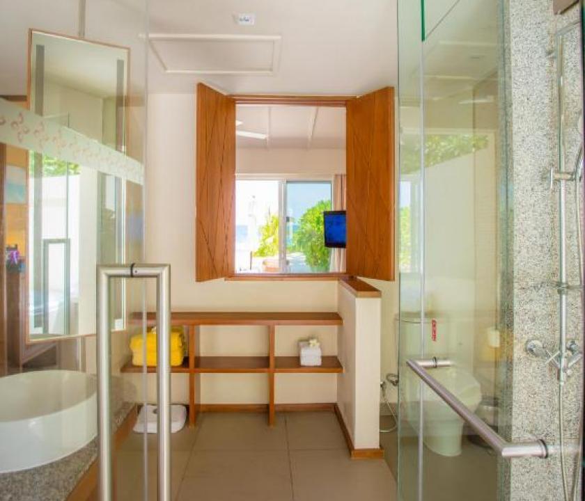 Centara Ras Fushi Resort & Spa Maldives / Deluxe Ocean Front Beach Villa (Maldív-szigeteki utazások)