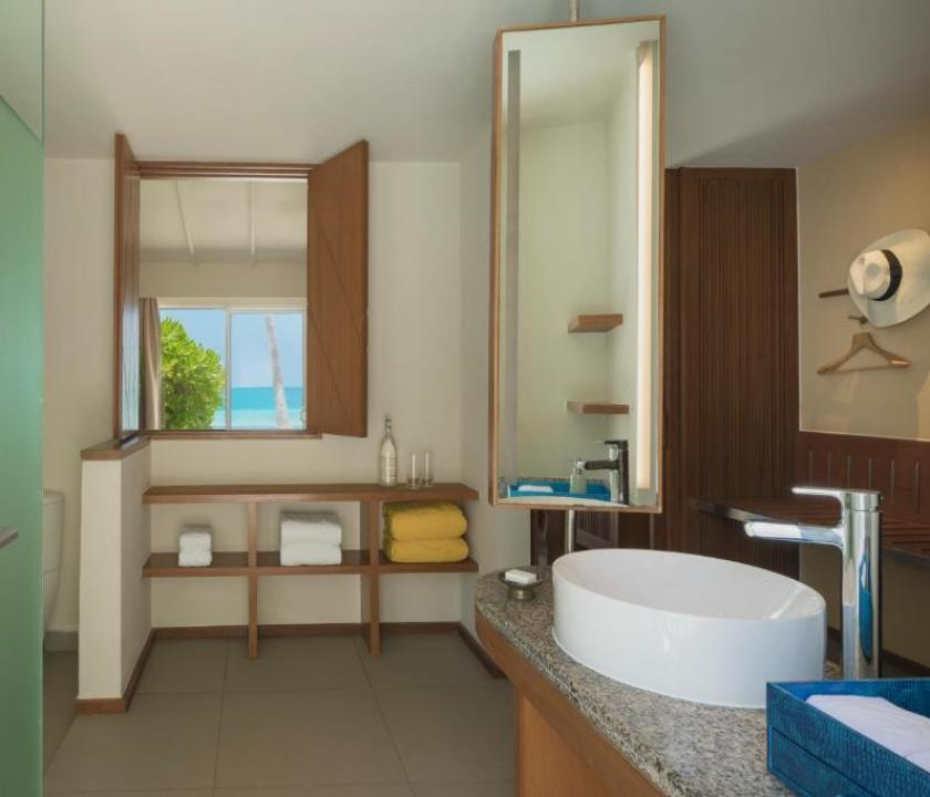 Centara Ras Fushi Resort & Spa Maldives / Ocean Front Beach Villa (Maldív-szigeteki utazások)