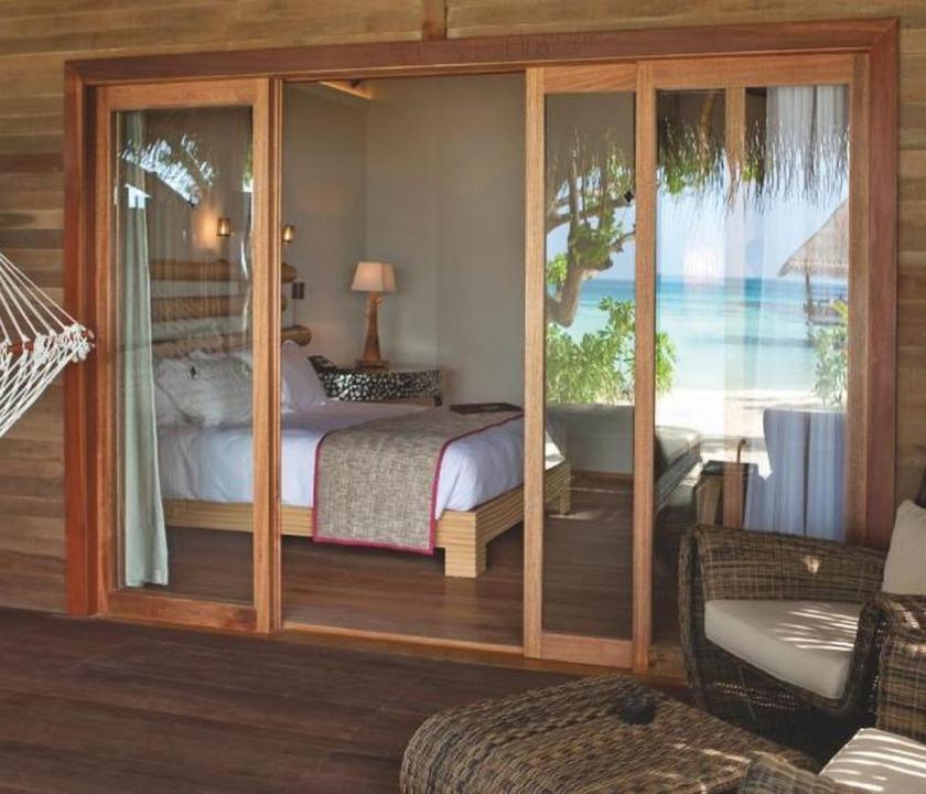 Constance Moofushi Maldives / Beach Villa (Maldív-szigeteki utazások)