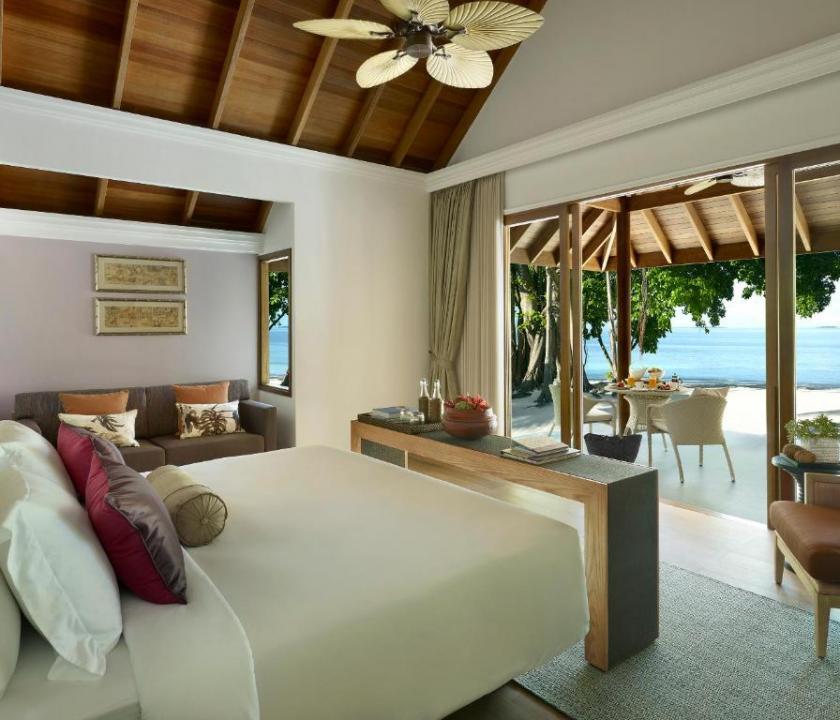 Dusit Thani Maldives / Two-Bedroom Family Beach Villa with Pool (Maldív-szigeteki utazások)
