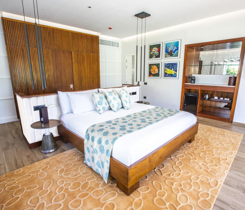 Emerald Maldives Resort & Spa / Beach Villa with Pool - hálószoba (Maldív-szigeteki utazások)