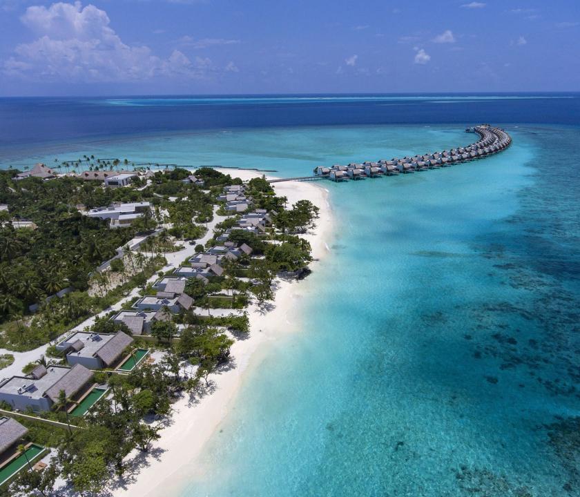 Emerald Maldives Resort & Spa / Beach Villa with Pool - a villák kivülről (Maldív-szigeteki utazások)