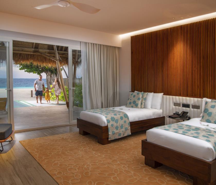Emerald Maldives Resort & Spa / Family Beach Villa with Pool - kilátás a szobából (Maldív-szigeteki utazások)