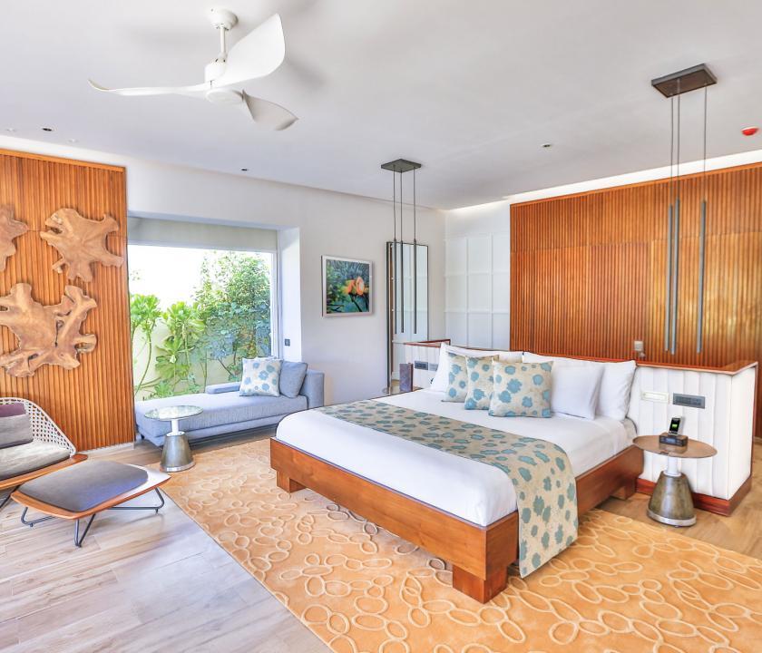 Emerald Maldives Resort & Spa / Jacuzzi Beach Villa - hálószoba (Maldív-szigeteki utazások)