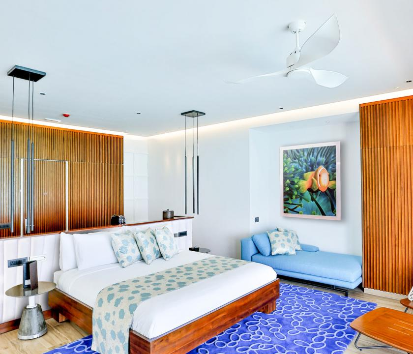 Emerald Maldives Resort & Spa / Jacuzzi Water Villa - hálószoba (Maldív-szigeteki utazások)