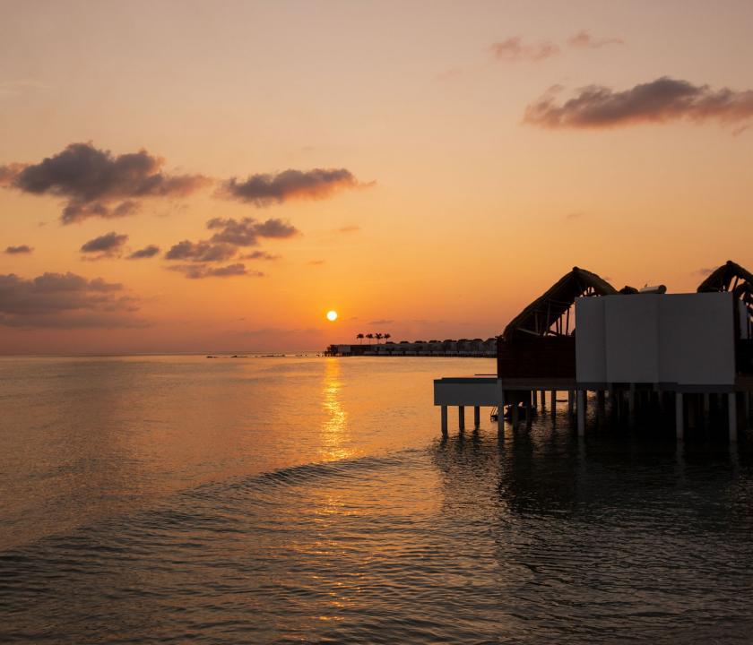 Emerald Maldives Resort & Spa / Water Villa - a villák kivülről (Maldív-szigeteki utazások)