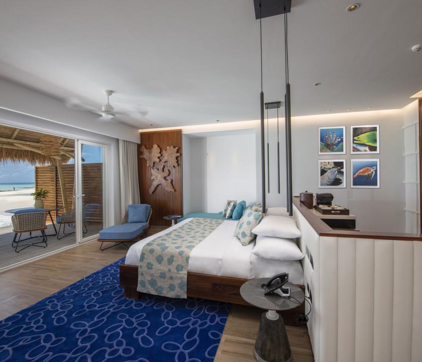 Emerald Maldives Resort & Spa / Water Villa - hálószoba (Maldív-szigeteki utazások)