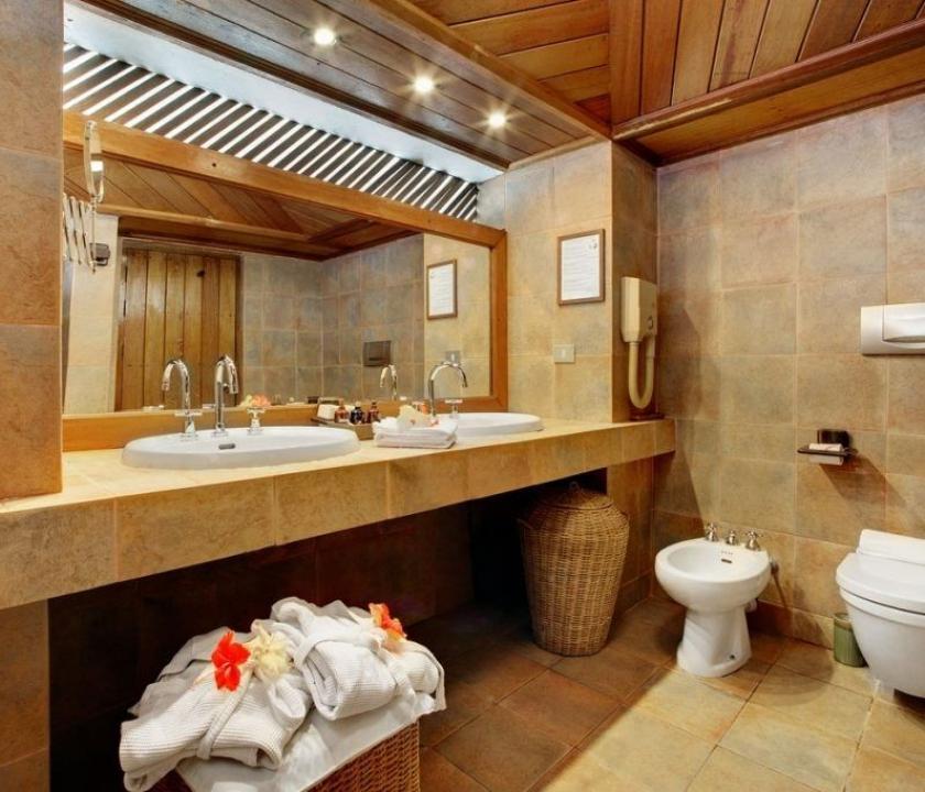 Gangehi Island Resort / Overwater Villa (Maldív-szigeteki utazások)