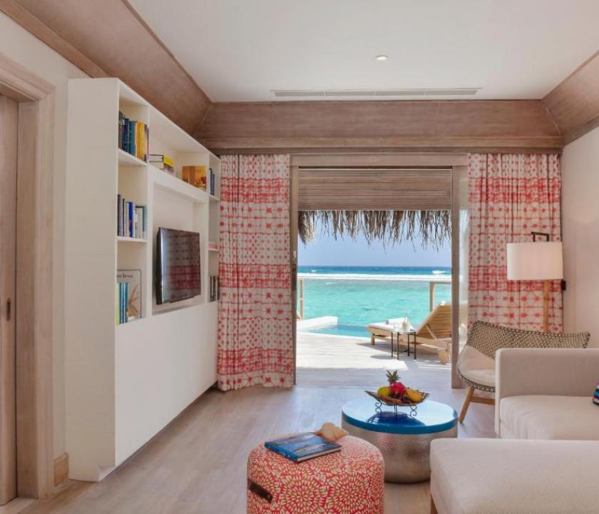 Kanuhura A Sun Resort Maldives / Water Pool Villa (Maldív-szigeteki utazások)