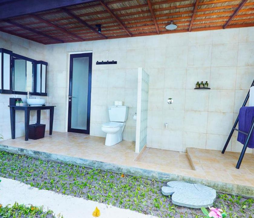 Kuredu Island Resort & Spa / Garden Bungallow - fürdőszoba (Maldív-szigeteki utazások)