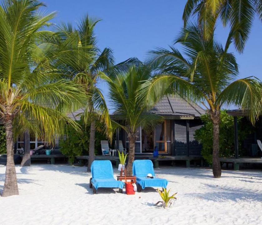Kuredu Island Resort & Spa / Jakuzzi Beach Villa - a villa kivülről (Maldív-szigeteki utazások)