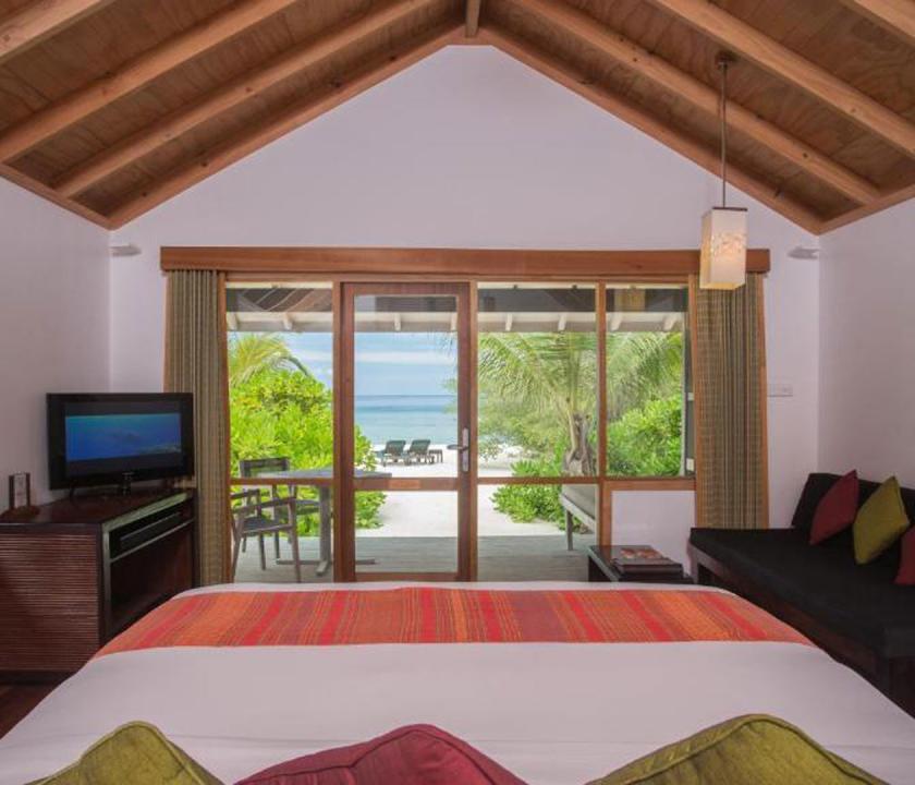 Kuredu Island Resort & Spa / Beach Villa - kilátás a szobából (Maldív-szigeteki utazások)